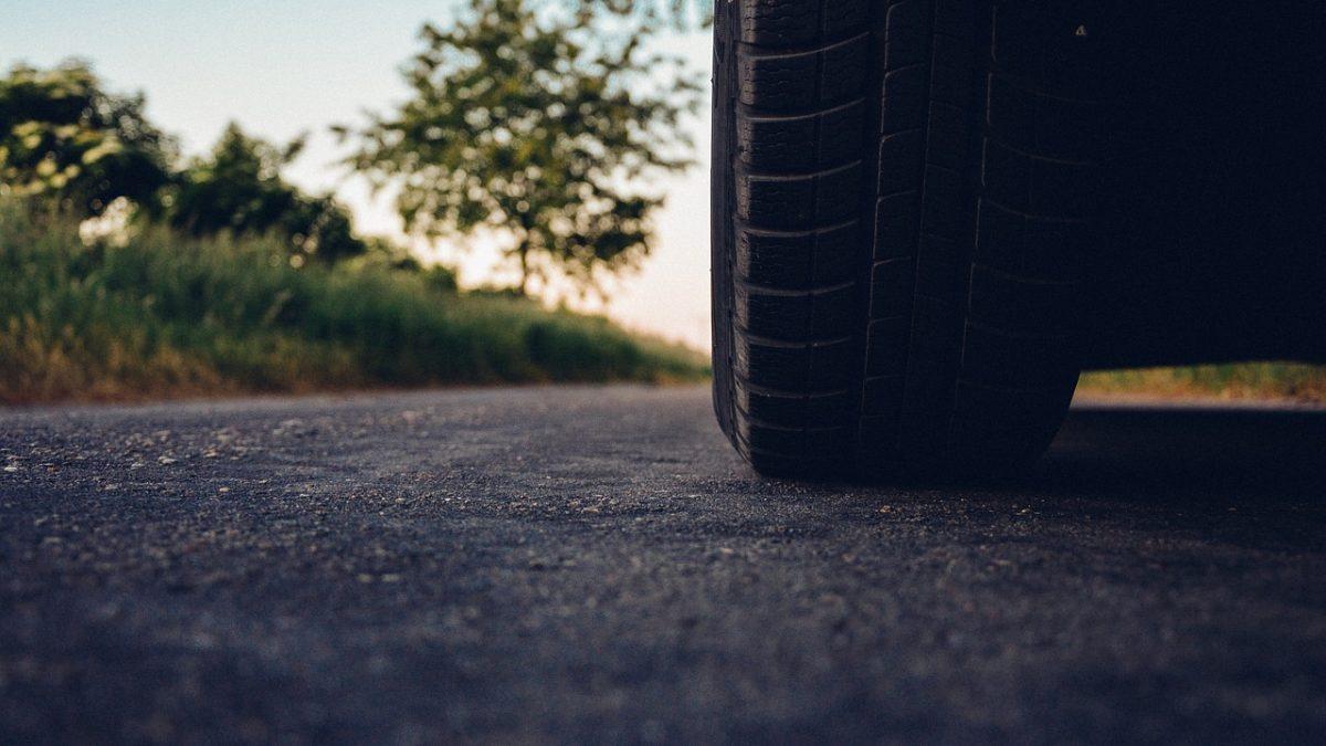 asfalto e pneuetico